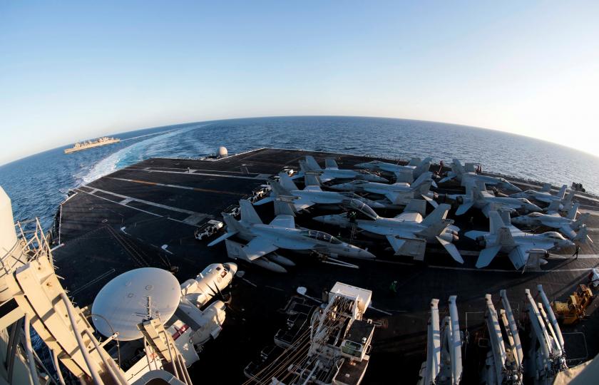 """""""الحرس الثوري"""" يهدد باستهداف قوات أمريكا في الخليج ويحذر من أي خطوة ضد إيران"""