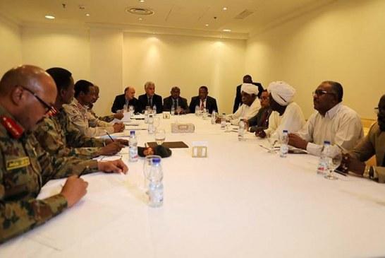 """"""" عسكري السودان"""" و """"قوى التغيير"""" بالسودان يتفقان على الوثيقة الدستورية"""