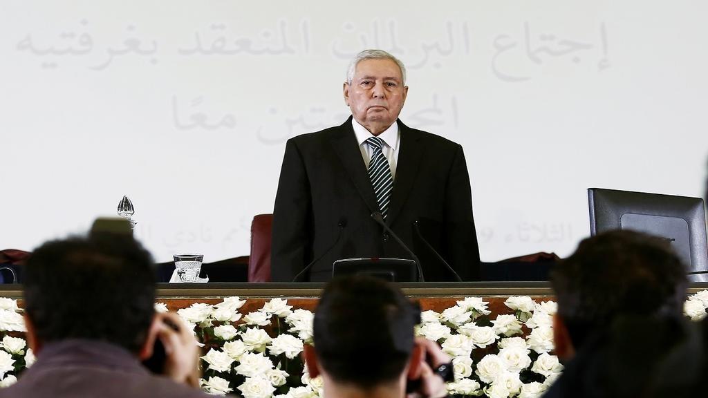 """الجزائر: هيئة الحوار تدعو لإجراء الانتخابات الرئاسية """"في أقرب الآجال"""""""