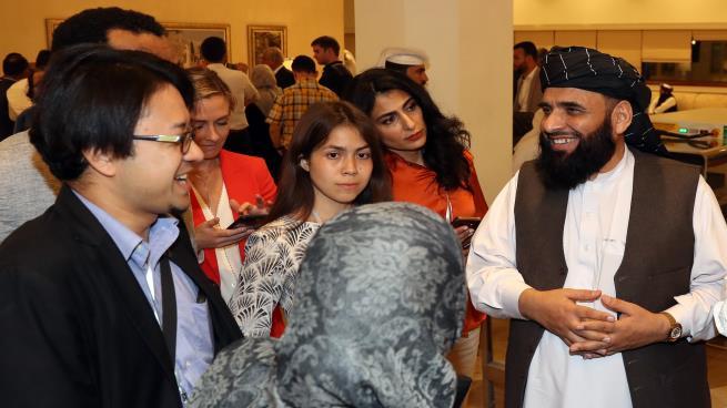 """""""طالبان"""" تشترط على واشنطن توقيع اتفاق الدوحة لوقف إطلاق النار"""