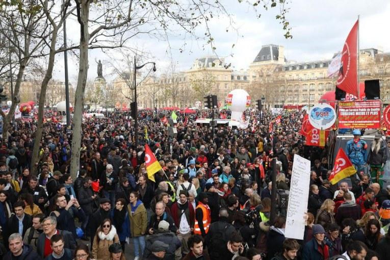 Retraites : nouvel appel à la grève nationale et interprofessionnelle le 9 janvier en France