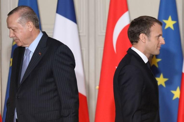 Tensions entre la France et la Turquie : « Erdogan a désigné Macron comme son ennemi, il est obligé de répondre », selon l'essayiste Hakim El Karoui